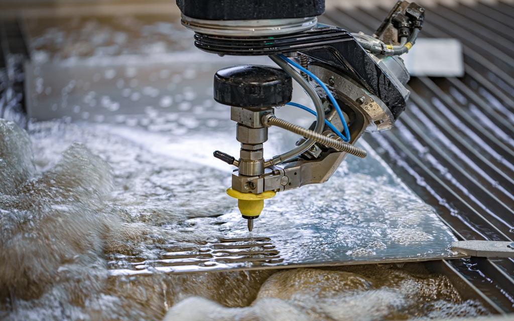 Wasserstrahlschneiden mit modernen CNC-Maschinen