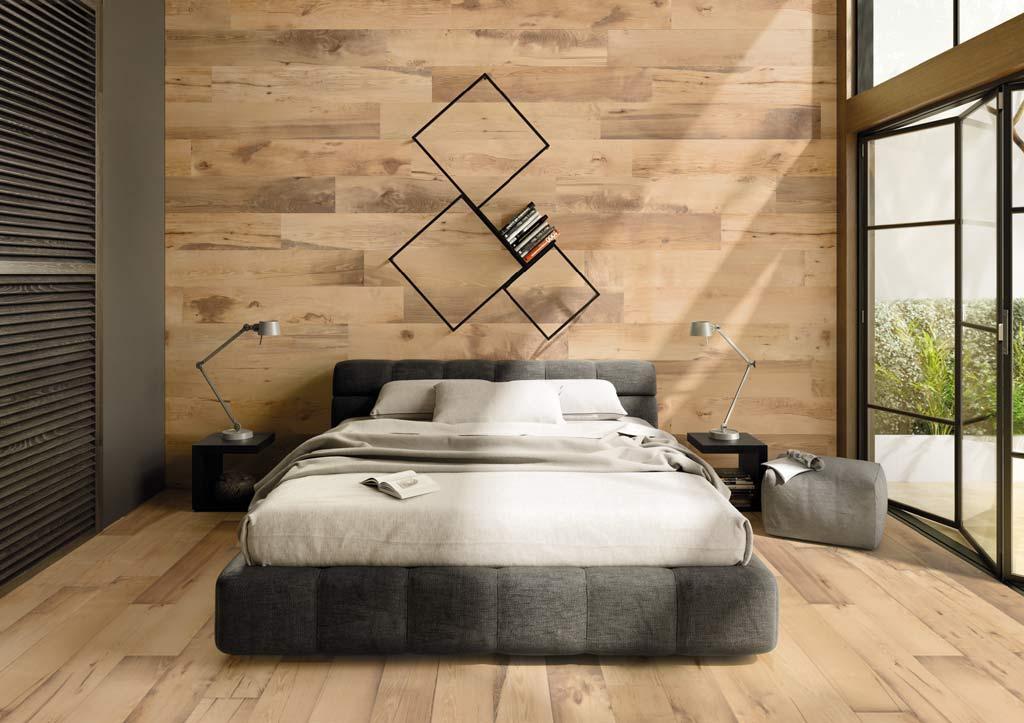 Warme Fliesen in Holzoptik im Schlafbereich